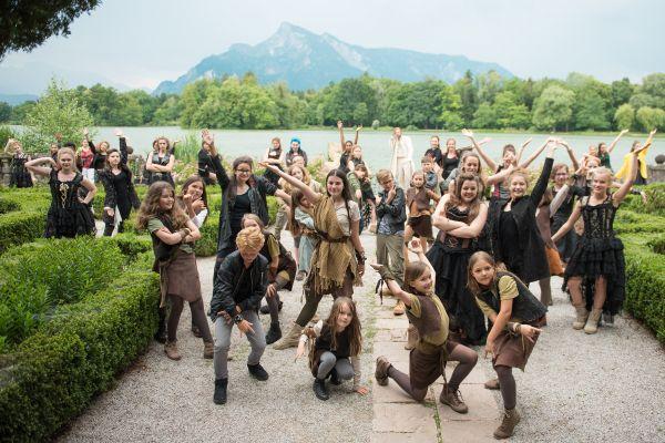 1528397231-36-salzburgerfestspieleundtheaterkinderchorA675372D-CCE4-1A8B-60BC-F9A1B17B921F.jpg